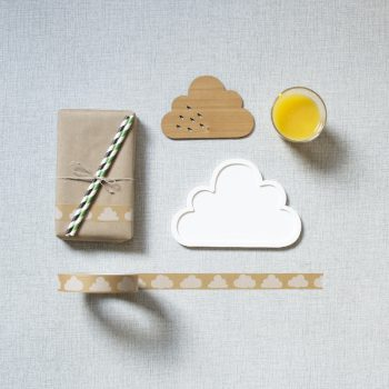 Pappertejp natur med vita moln