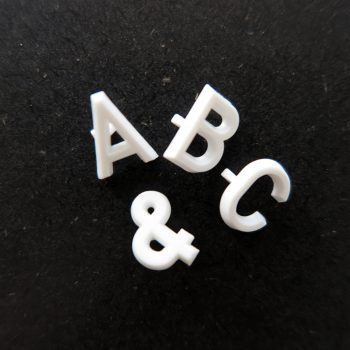 Bokstäver i plast Aviso till menytavlor och bokstavstavlor, 13mm