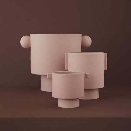 Stor rosa kruka med runda kulor som handtag Inka Kana Rose från OYOY