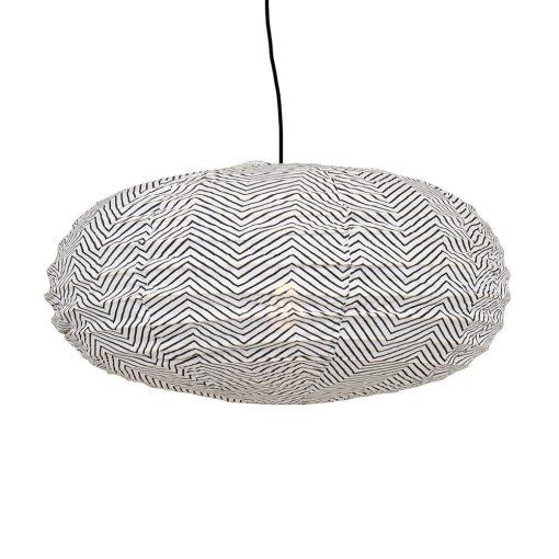 Taklampskärm oval i tyg av rislampemodell i svart/vitt mönster från Afroart