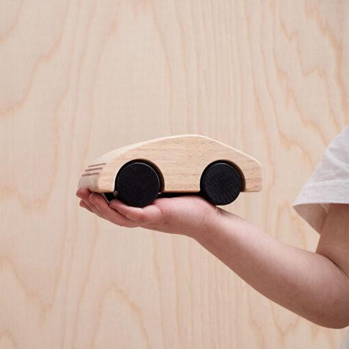 Bil i trä från Kid's Concept