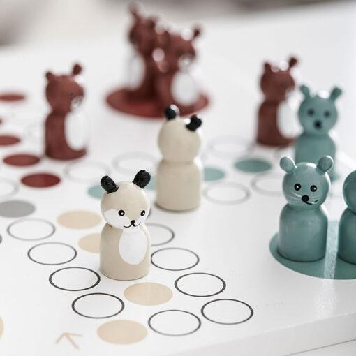 Fiaspel i trä med djur från Kid's Concept