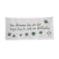 Väggbonad Var blomma har sin tid varje dag är inte en Dahliadag av Emily Bratt för Fine Little Day