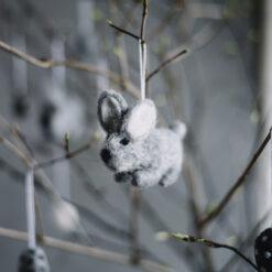Påskhänge Hare i tovad ull från Afroart