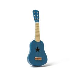 Barngitarr i trä. Lekgitarr blå från Kids Concept.