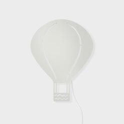 Vägglampa till barnrum i trä, barnlampa Luftballong ljusgrå från Ferm Living