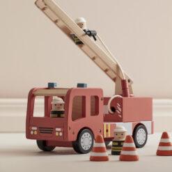 Brandbil i trä från Kids Concept