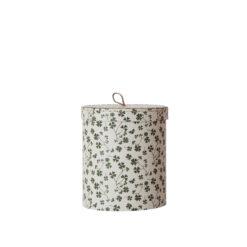 Rund låda med lock och mönster av gröna små klöver från OYOY