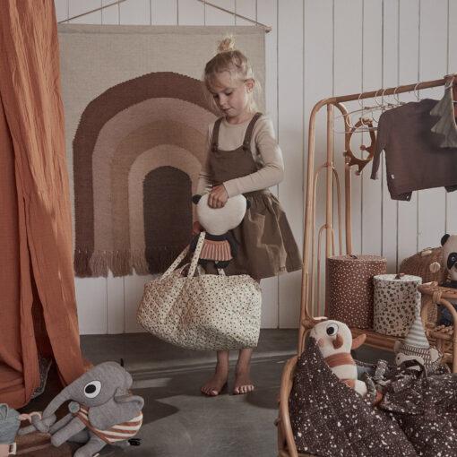 Babykorg eller babylift för dockor i ekologiskt bomull från OYOY