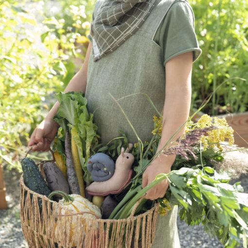 Dregglis bib i ekologisk bomull rutig Grid Olive olivgrön från Fabelab