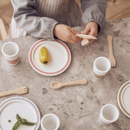 Matservis i trä Bistro från Kids Concept