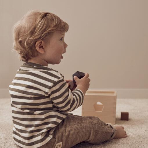 Plocklåda i trä Neo natur från Kids Concept